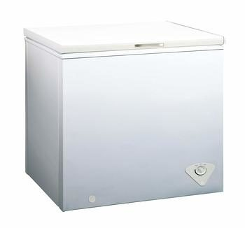 9. Midea WHS-258C1 Single Door 7.0 Cubic Feet Chest Freezer, , White