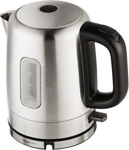 7. AmazonBasics Electric Hot Water Kettle, 1 Liter