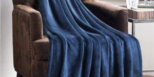 #1. BedSure Lightweight Soft Blanket