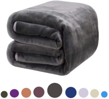 #6. Dream FlyLife Fleece Softest Blanket